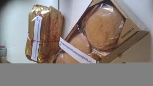 Angel Delmu obsequia con www.tortasdealcazarporelmundo.es en curso tecnicas de venta de Madrigueras